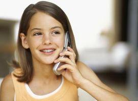 Hvordan overvåke ditt barns Mobiltelefon aktivitet for hennes sikkerhet