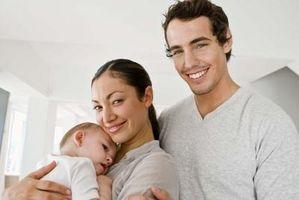 Kreative aktiviteter for spedbarn 3 til 6 måneder