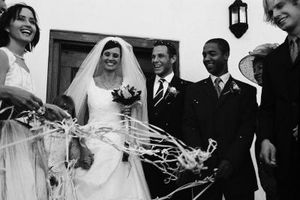 449babe9 Hvordan du velger brudepike kjoler for en vinter bryllup ...