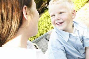 Hvordan snakke med barn som stammer