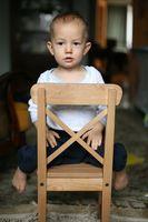 Barns sikkerhet Utstyr for en baby mens fôring