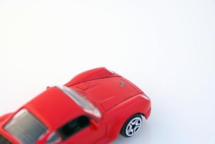 Hvordan lage en lekebil Move Bruk Newtons tredje lov av Motion