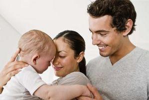 De Milepæler i utviklingen fra spedbarn til småbarn