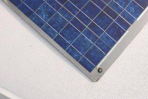 Hvordan koble opp et lys for en Solar Panel