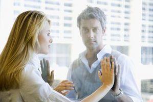 Hvordan få din manns oppmerksomhet igjen