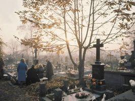 Hvordan planlegge en begravelse for en baby