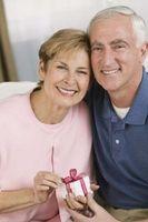 Hva er de mest populære gaver for kvinner i 50-årene?