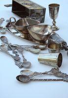 Hvordan identifisere Old Silver