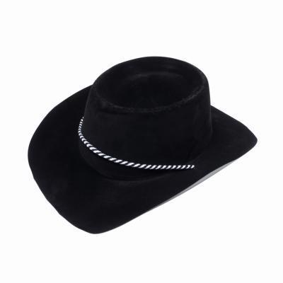 Hvordan Shape en Felt Cowboy Hat til Bull Rider stil