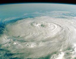 Ulike Anslag for Hurricane Paths