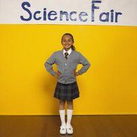 Science Fair prosjekt om hvordan lage en elektroLøfte Magnet