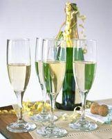 Hvordan Gi en Champagne Toast på et bryllup