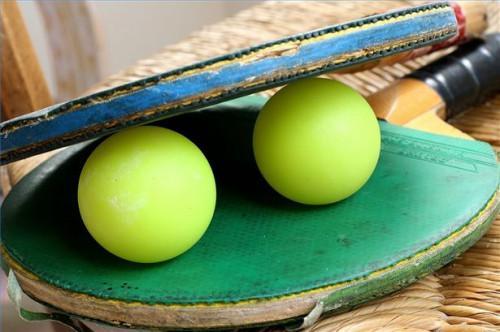 Hvorfor Ping Pong baller Bounce?