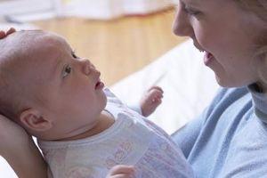 Hvordan å trøste en nyfødt baby