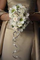 Hvordan legge bånd til Wedding Buketter