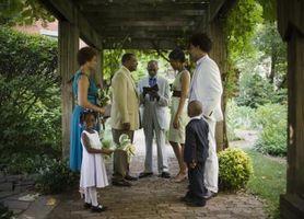 Slik Dekorer en liten bakgård for en Simple & Casual Bryllup