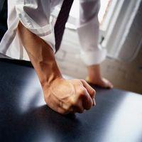 Fysiske symptomer som vises ved arbeidsplassen vold ofre
