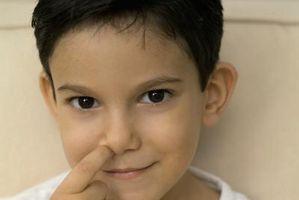 Slik hindrer barnet fra å plukke nesen