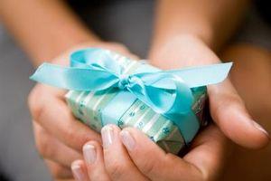 Hvordan Tie en bue på en Present