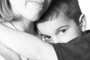 Hvordan hjelpe barna å ikke sjenert