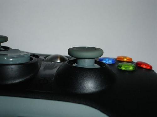 Slik installerer du en Pelican trådløs adapter på en Xbox 360