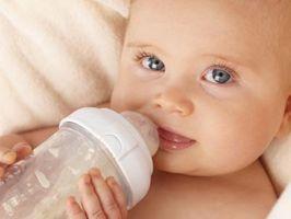 Gjør Flaske-matet babyer opp i vekt raskere enn barn som ammes?