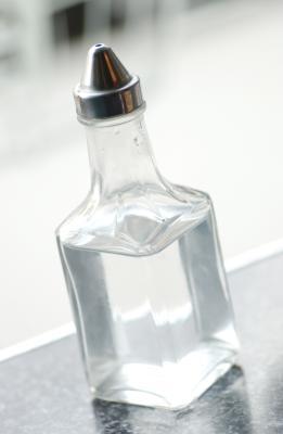 Hvordan få vann fra Eddik