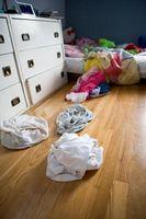 Hvordan få barna til å sette sine klær Away