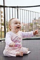 Aktiviteter og leker for babyer