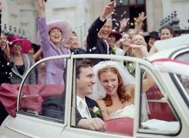 Hvordan lage en Bridal Veil Med en Tiara