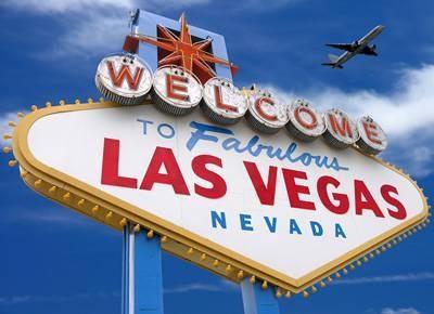 Hvordan lage min egen Invitasjoner og RSVP kort med en Vegas tema