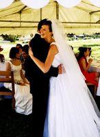 Hvordan vite hva størrelse Tent du trenger for et bryllup