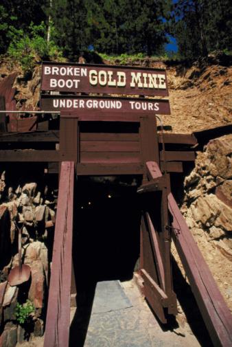 Hvordan finne Forlatte gull Krav i California