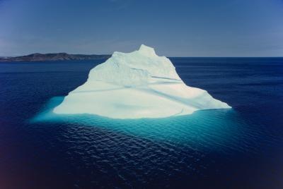 Hva er to ting som trengs for en Glacier å danne?