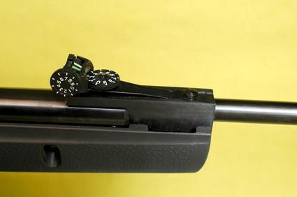 Hvordan lage en zip-Gun Rifle Pellet Gun