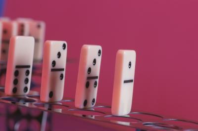 Hva er fordelene med å spille domino?