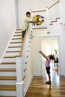 Hvordan å oppmuntre barna til å gjøre husarbeid