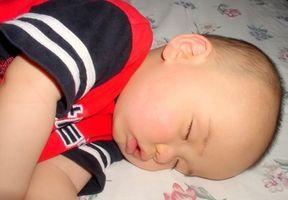Hvordan hjelpe barn å lære å sovne på egenhånd