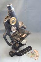 Funksjonen til Mirror i et mikroskop