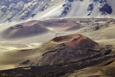 Hva er noen fakta om de Cinder Cone Volcanoes?