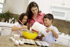 Hvordan oppmuntre barn til å gjøre husarbeid