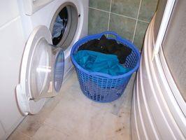 Hvordan vaske klær med baby akterdekk flekker