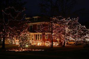 The History of Christmas Lights på Houses