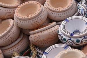 Hvordan identifisere Vintage Keramikk Console Sett