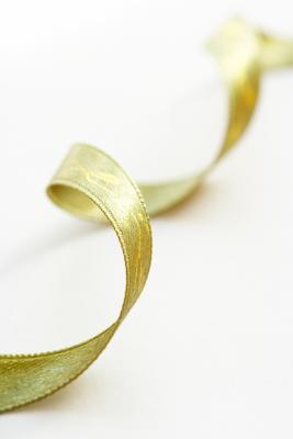 Hvordan lage en Polyester Ribbon Curl