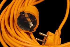 Hvordan beregne Wire Gauge nødvendig for å gjøre en skjøteledning