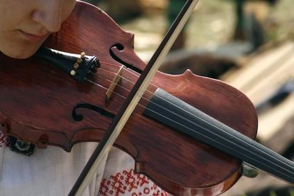Om Rent-til-egen Musikkinstrumenter