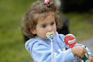 Når bør barn ikke lenger bruke en Binky?