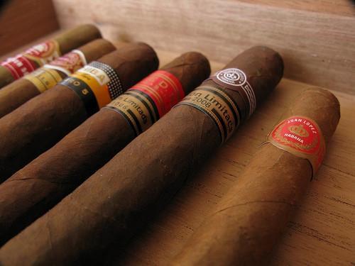 Bilderesultat for Sigarrøyking