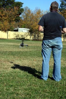 Hvordan å fly en fjernkontroll helikopter Dragonfly